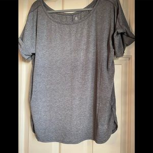 GAP active roll sleeve tee